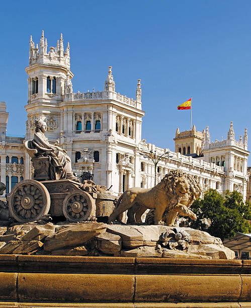 Fontaine de la Cibeles dans le centre-ville de Madrid, Espagne - Photo