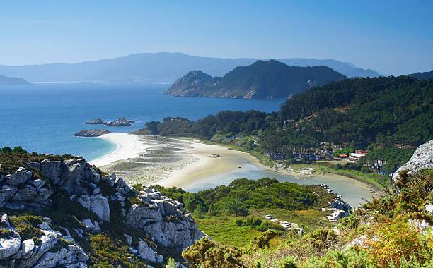 cies islands, Ria of Vigo, Galicia, Spain cies islands, Ria of Vigo, Galicia, Spain galicia stock pictures, royalty-free photos & images