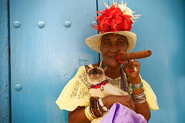 cigar - cuba stock photos and pictures
