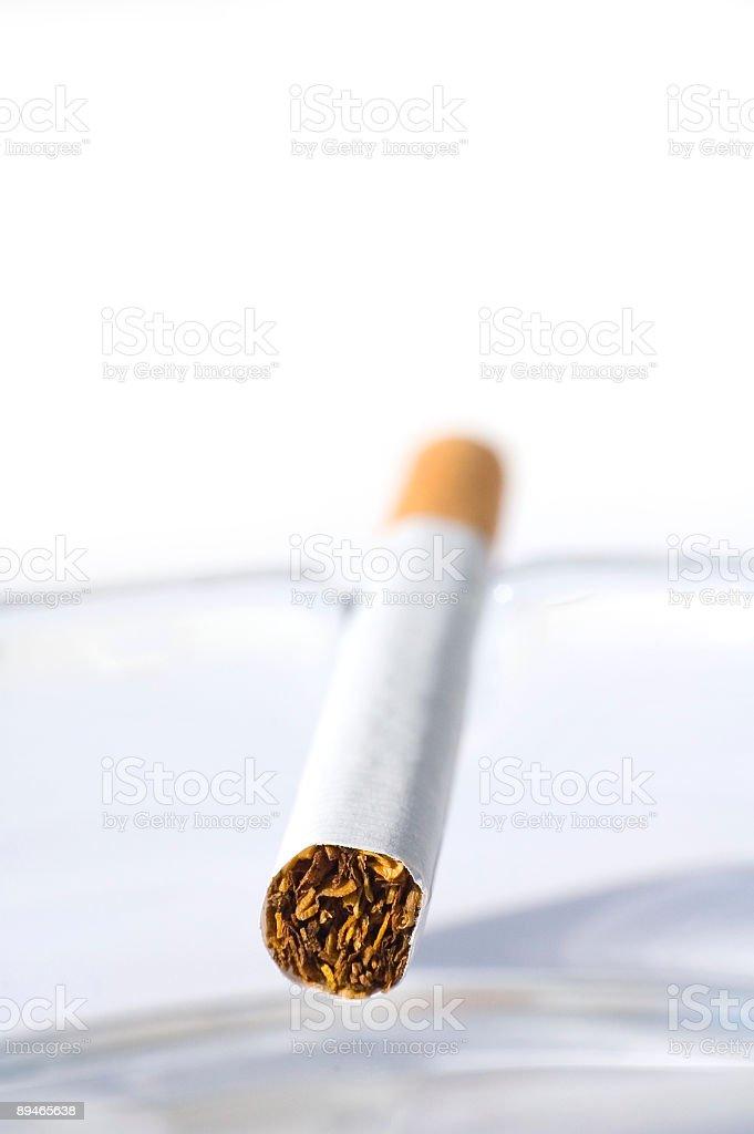 Cigarette Bac à cendres photo libre de droits