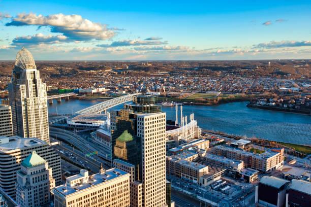 Cincinnati, Ohio An aerial view of Cincinnati, Ohio skyline along the riverfront cincinnati stock pictures, royalty-free photos & images