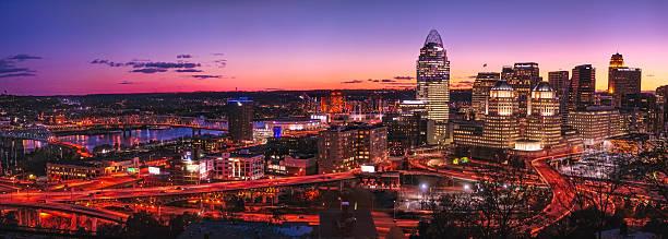 Cincinnati skyline at night Cincinnati skyline at night cincinnati stock pictures, royalty-free photos & images