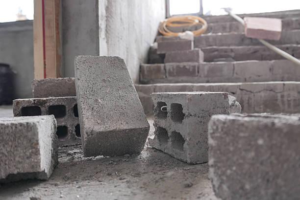 Cinderblocks auf Beton Etage – Foto