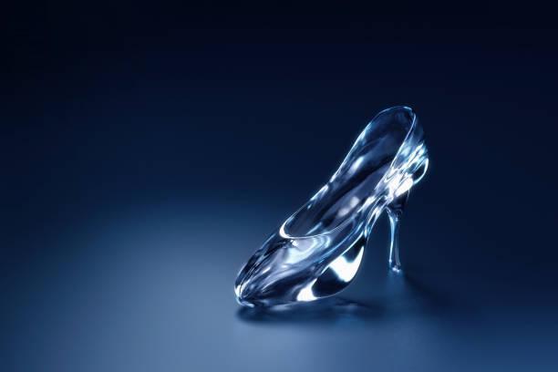 Cinderellas glass slipper on a blue background 3d gendering picture id1003940702?b=1&k=6&m=1003940702&s=612x612&w=0&h=adkh1h1 jdzw2 uyr2x147ao5uurv s98pirxj7i 8u=