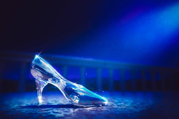 Cinderellas glass slipper on castles floor 3d rendering picture id1003940544?b=1&k=6&m=1003940544&s=612x612&w=0&h=1zj4g ppe78xsgz0fxuleftq 2igitx95svvwamsvem=
