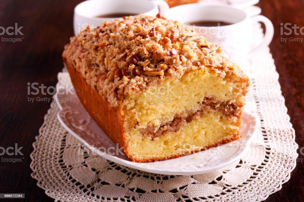 Cinnamon and nut coffee cake, foto stock royalty-free