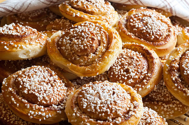 Cinnamon buns Fresh out of the owen with a nice color sweet bun stock pictures, royalty-free photos & images