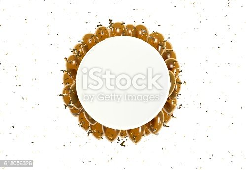 istock circle badge and orange balloons 618056326