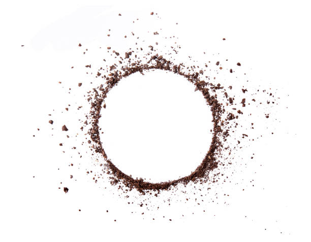 circle coffee bean smashed powder craked and splash on white background top view - café solúvel imagens e fotografias de stock