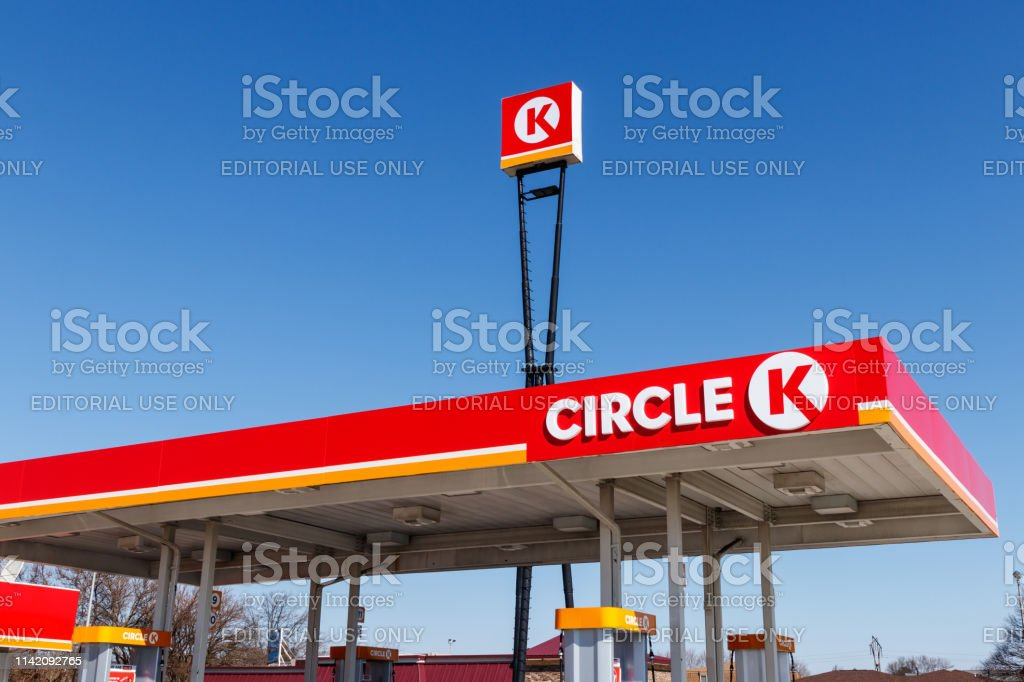 Circle K retail gas station location. Circle K is a subsidiary of Alimentation Couche-Tard and is based in Quebec I - Стоковые фото Statoil роялти-фри