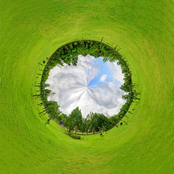 kreis-panorama der öffentlichen park - kanada rundreise stock-fotos und bilder
