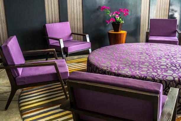 circle table and armchairs - hotel reception zdjęcia i obrazy z banku zdjęć