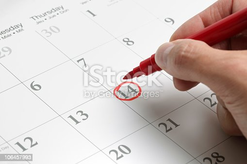 istock A circled date on a large calendar in red ink 106457993