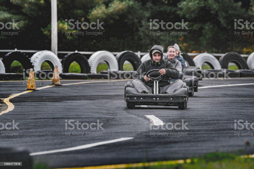 Circuit de Karting, homme, femme. - Photo