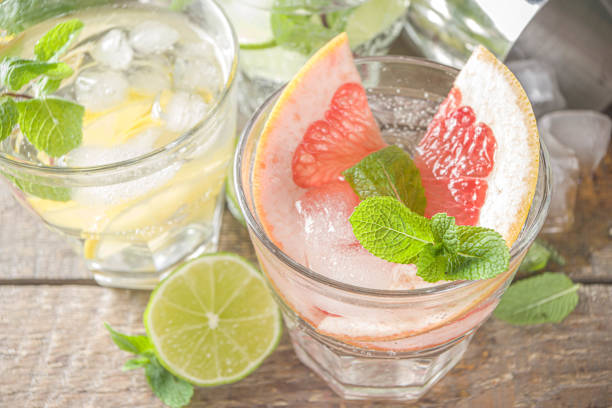 Zitrusfrüchte getränke mit Eis – Foto