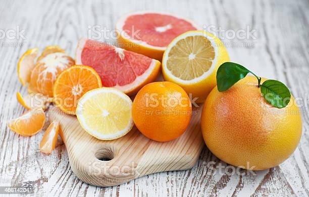 Frutas Cítricas Foto de stock y más banco de imágenes de Alimento