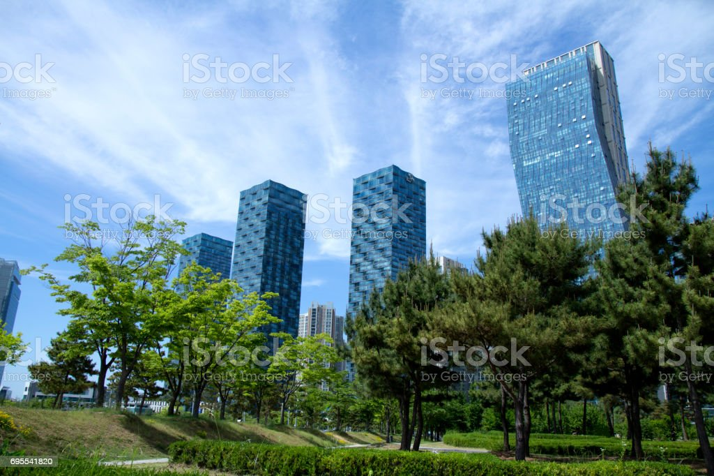 Stadt und den park – Foto