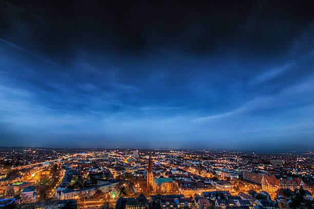 Stadt bei Nacht – Foto