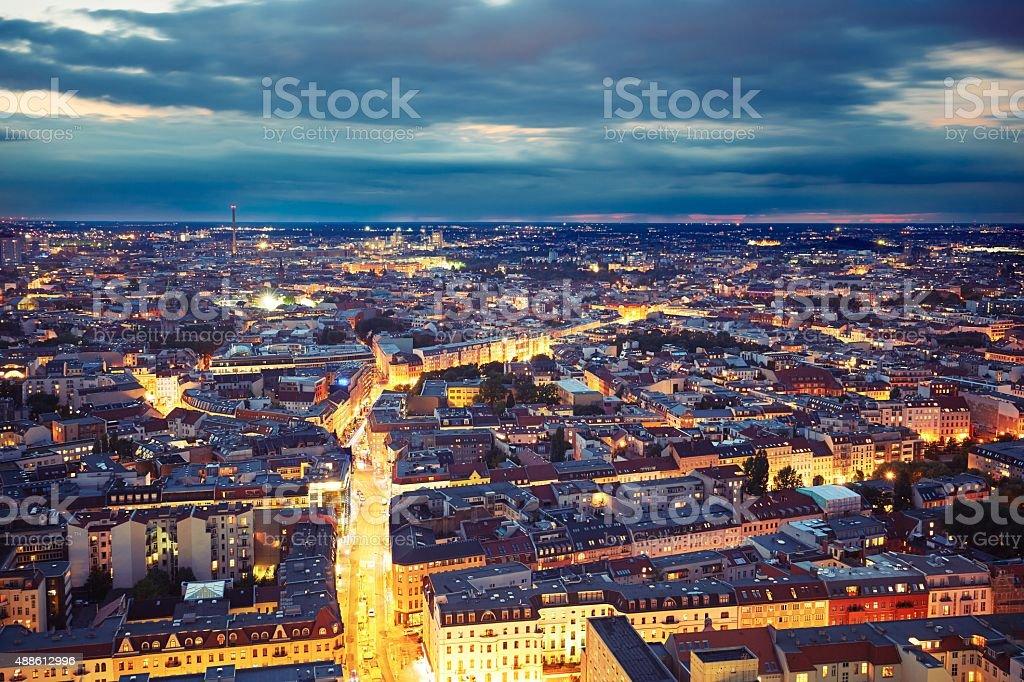 Stadt in der Nacht – Foto