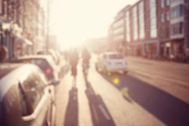 City Pendler.   High key verschwommene Bild eines street – Foto