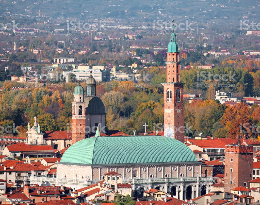 VICENZA city in Italy and monument called BASILICA PALLADIANA - foto stock
