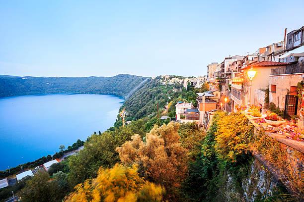 City life in Castel Gandolfo, pope's summer residency, Italy – Foto