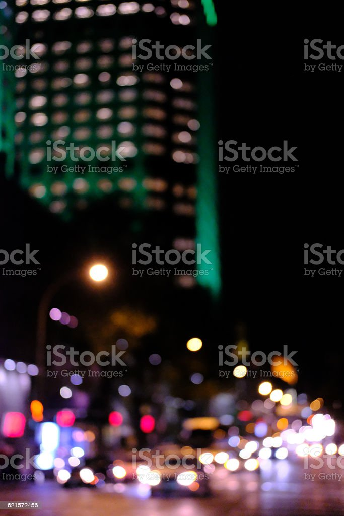City Lights And Traffic With Bokeh Effect photo libre de droits