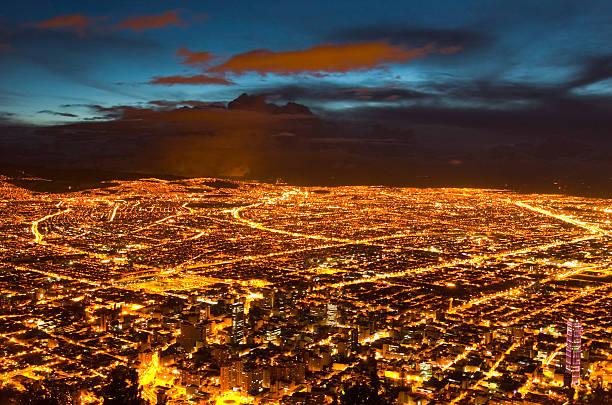 luci della città di bogotà? (colombia - rete elettrica foto e immagini stock