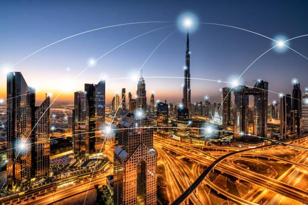 stadt-netzwerk-technologie in dubai, vereinigte arabische emirate - sheikh zayed road stock-fotos und bilder