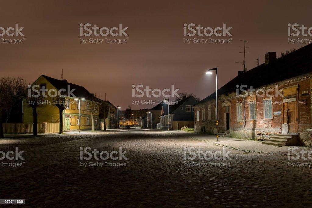 城市夜景觀。在晚上的舊城區。 免版稅 stock photo