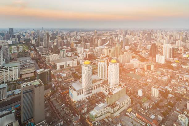 曼谷市中心商業區地平線日落色調圖像檔