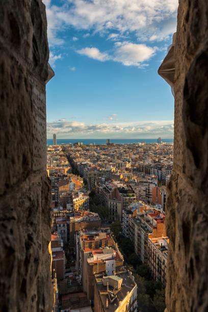 Stadt von Barcelona, ein Blick vom Turm der Sagrada Família Basilika – Foto