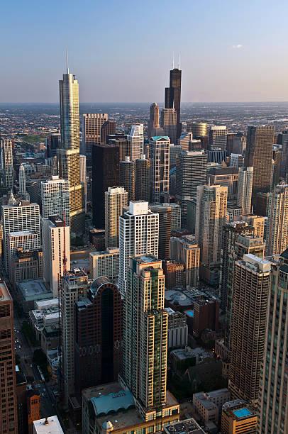 city of chicago. - hohe warte stock-fotos und bilder