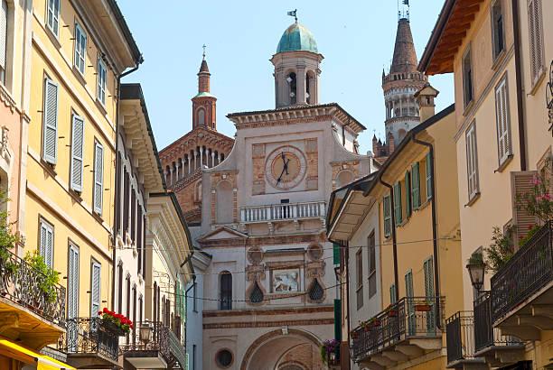 Cidade de creme (Lombardia, Itália), edifícios antigos - foto de acervo