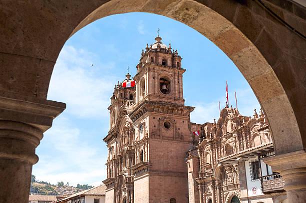 ciudad de cuzco en perú, américa del sur - perú fotografías e imágenes de stock