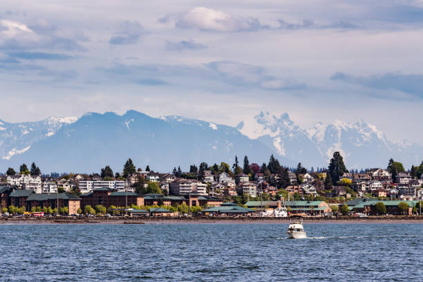 City of Everett From the Puget Sound A view of the City of Everett From the Puget Sound. Taken May 2018 washington state stock pictures, royalty-free photos & images