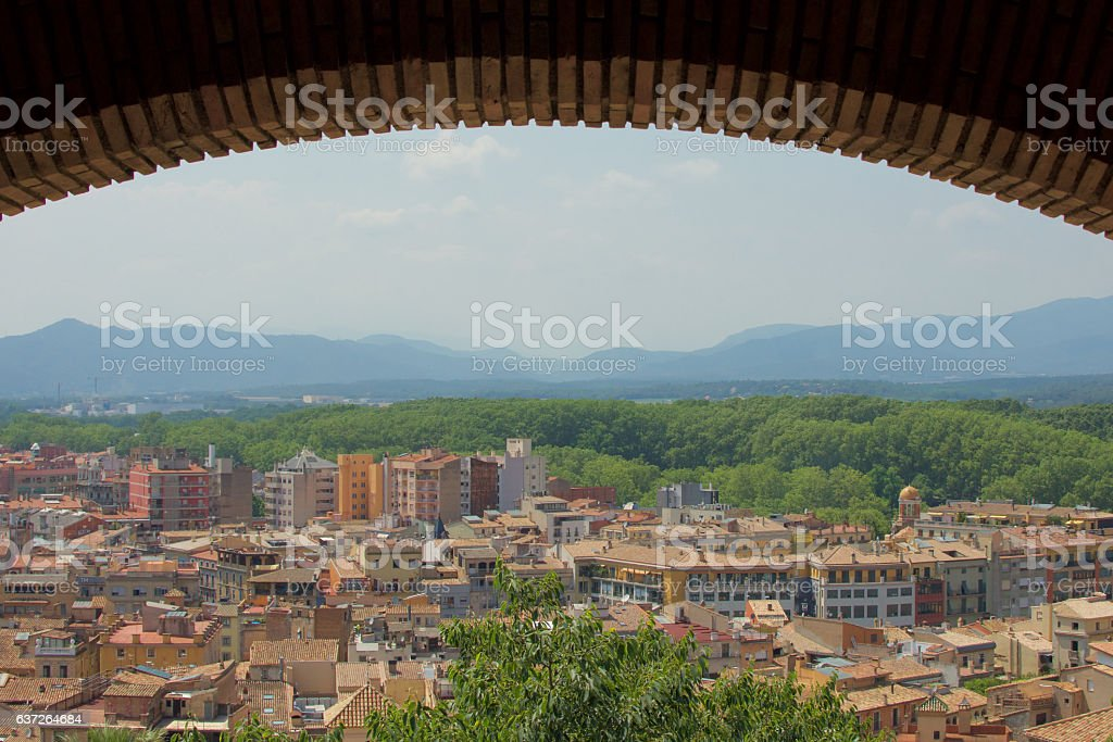 City of Girona, Spain under wall arch – Foto