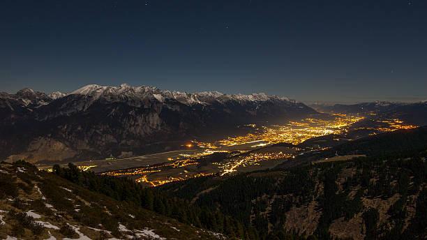 city of innsbruck, austria: night - hotel alpenblick stock-fotos und bilder