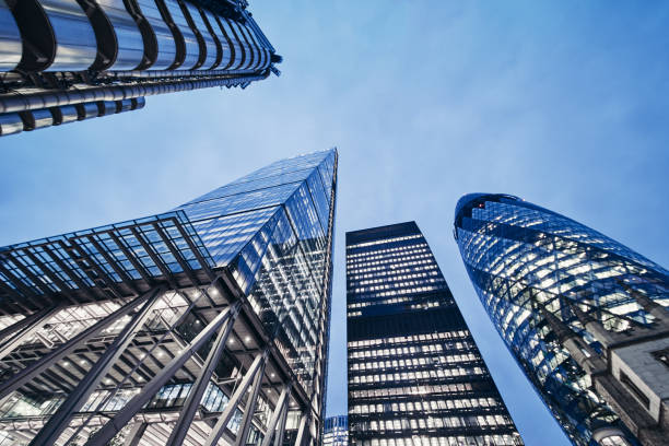 city of london business and banking aria - quartiere finanziario foto e immagini stock