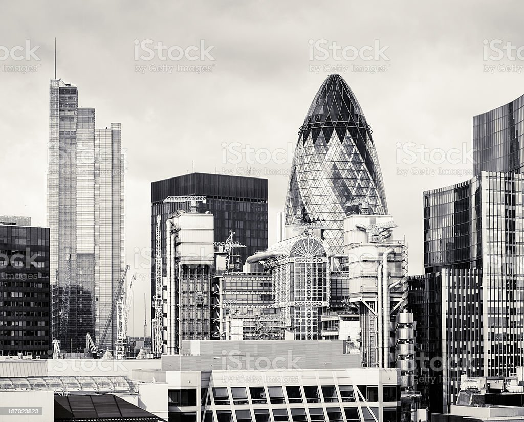 la ville de londres en noir et blanc photos et plus d 39 images de affaires istock. Black Bedroom Furniture Sets. Home Design Ideas