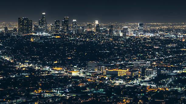 La ciudad de Los Ángeles en la noche - foto de stock