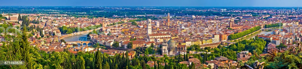 City of Verona old center and Adige river aerial panoramic view, Veneto region of Italy - foto stock