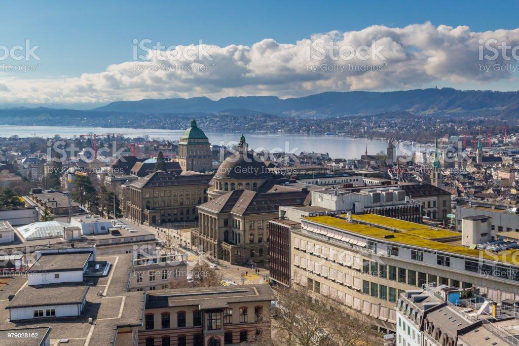 Stadt Zürich von oben, See, Berg Albis – Foto