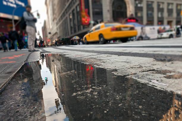 Stadt auf dem Wasser Regen – Foto