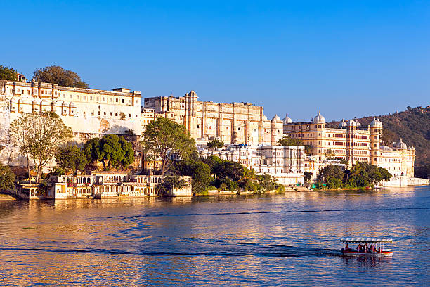 City Palace in Udaipur City Palace, Pichola lake, Udaipur, Rajasthan, India, Asia lake pichola stock pictures, royalty-free photos & images