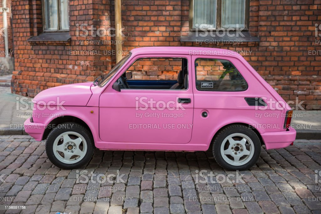 looking for a car date in riga