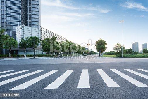 istock city road 866939732