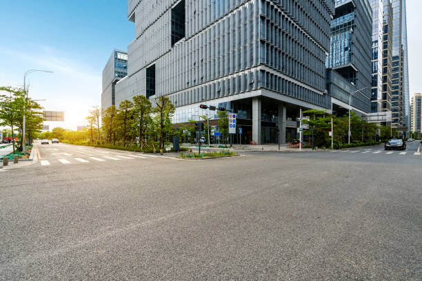Stadtstraßen und moderne Bürogebäude in Shenzhen, China – Foto