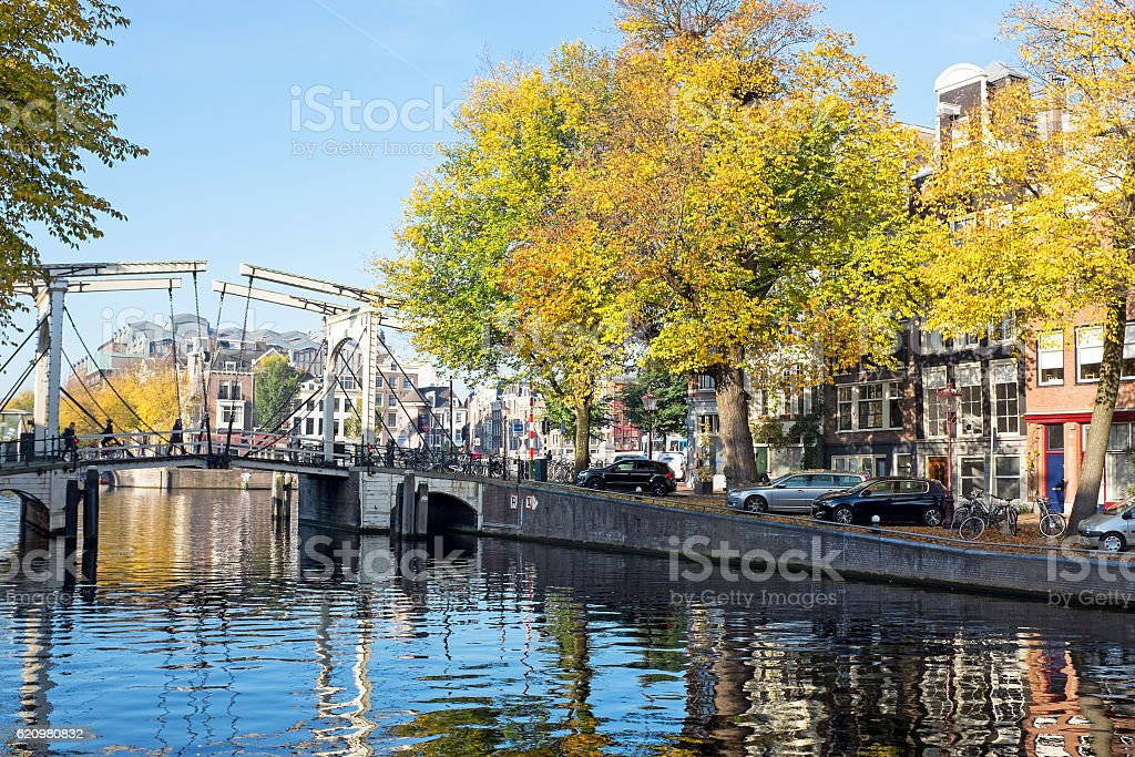 City scenic from Amsterdam in the Netherlands in autumn foto royalty-free