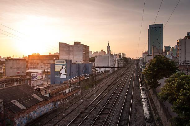 Blick auf die Stadt in den Tag – Foto